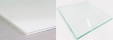 アルミ複合板(アルポリ)とアクリル板の違い