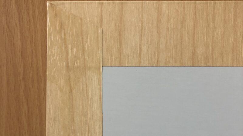 化粧合板の耐性と ダイノックの比較